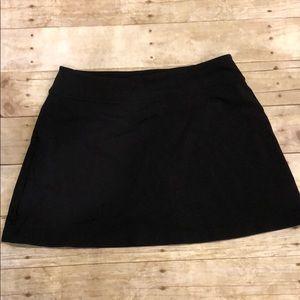 Athleta workout skirt/shorts with pocket Med NWOT